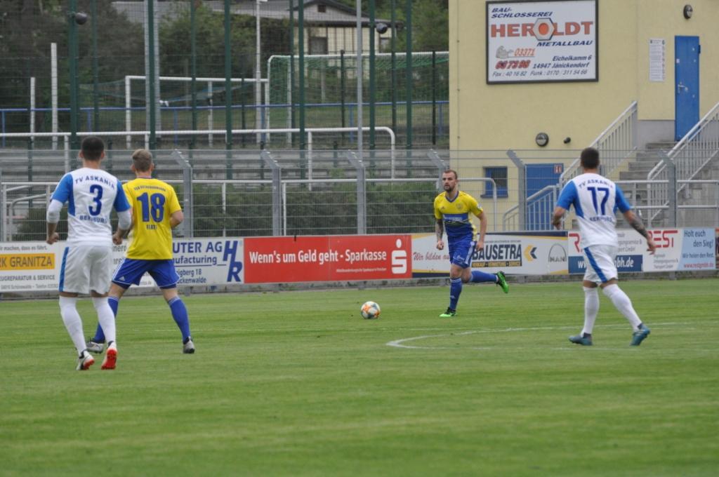 24.-Spieltag-FSV-63-Luckenwalde-TV-Askania-Bernburg-14
