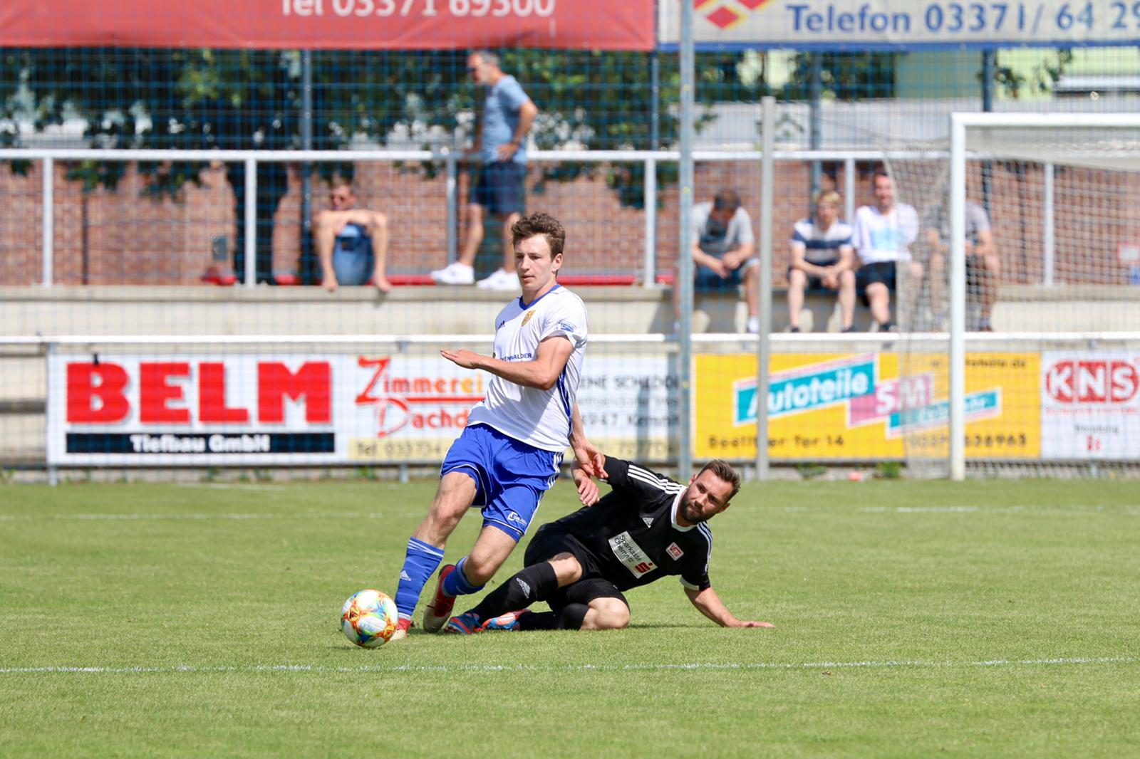 30.-Spieltag-FSV-63-Luckenwalde-VfL-05-Hohenstein-Ernstthal-9