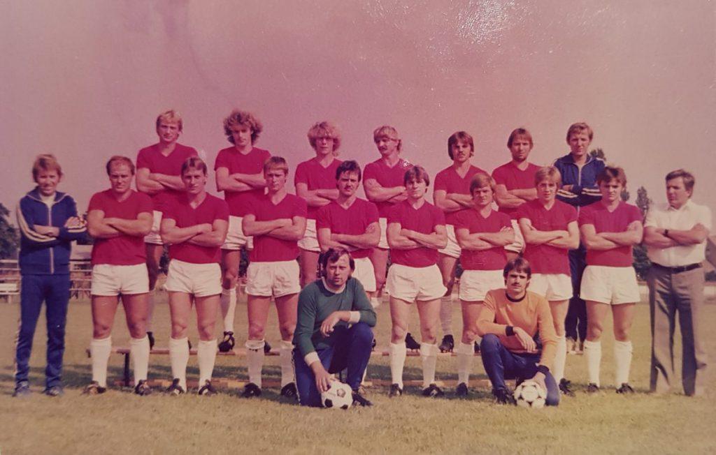 Foto der Saison 1983/84 | Carsten Müller (hintere Reihe, 4. v.l.)
