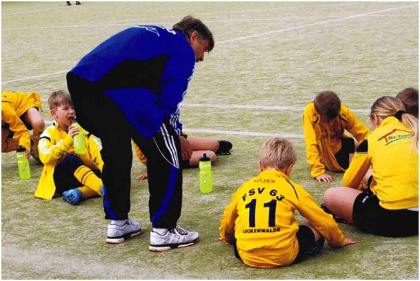 Motivation der F-Junioren durch Carsten
